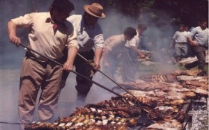 Gauchos-making-Asado-in-the-Pampa-425x2661