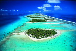 Vue aérienne de l'atoll de Rangiroa.