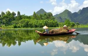 BoatWomen-of-Vietnam1