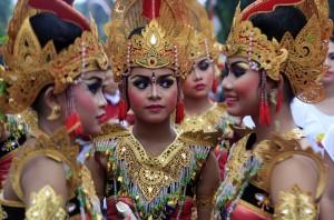 Balinese-girls1