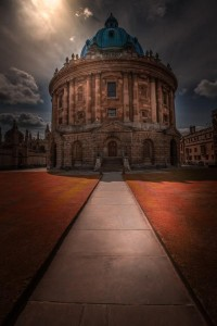 Radcliffe-Camera-Oxford-UK-by-Les-Kancir2