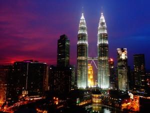 KL-Towers-at-night2