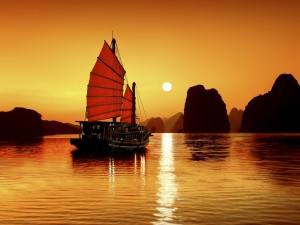 Sunset-in-Halong-Bay2