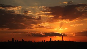 Johannesburg-moving-clouds-downtown-skyline1