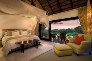 Lion-Sands-River-Lodge-Luxury-Bedroom1