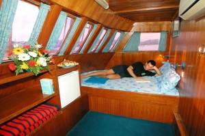 Marco-Polo-cruise-ship-cabin1