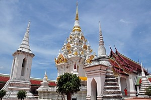 Phra-Borom-That-Chaiya2